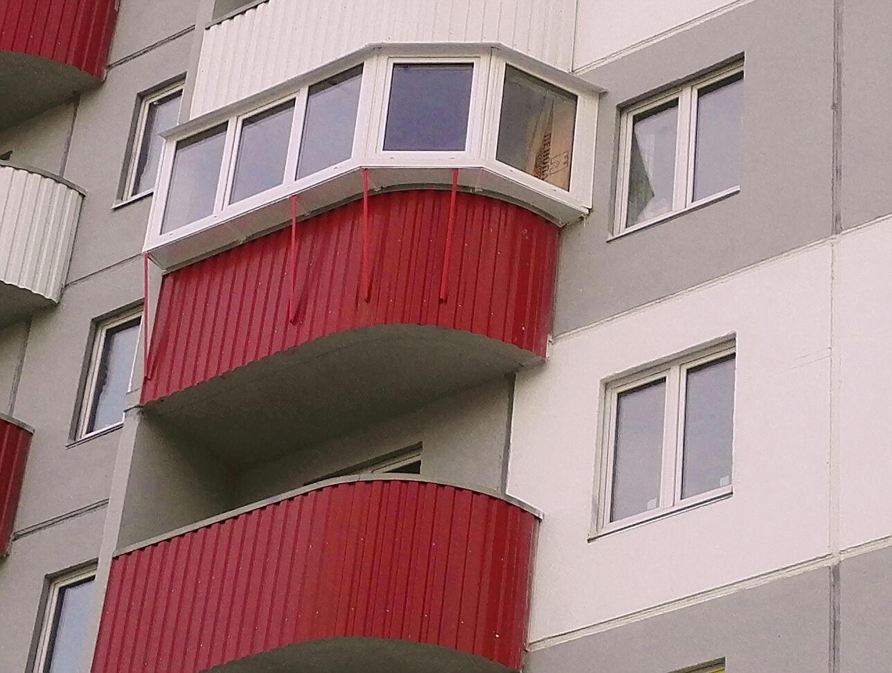 Варианты наружной отделки балкона.