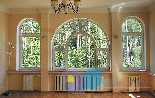 арочное окно с гнутым импостом