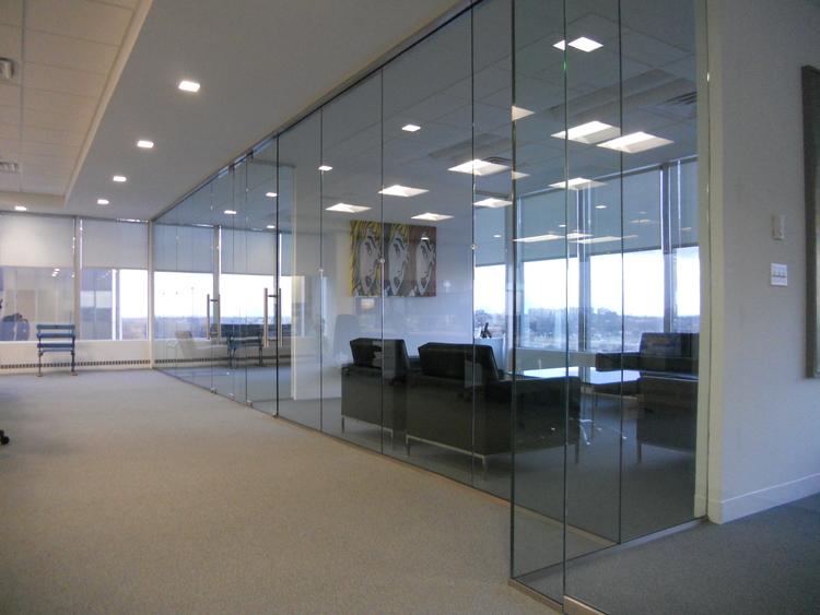 ALT 115 - цельно-стеклянная перегородка